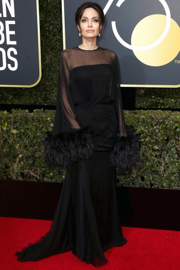 golden-globes-2018-angelina-jolie